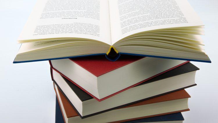 Drodzy Czytelnicy, po książkowe zapasy  zapraszamy z wyprzedzeniem.